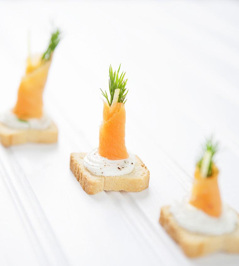 Smoked Salmon and Cream Cheese Bites - Blooming Bites ...
