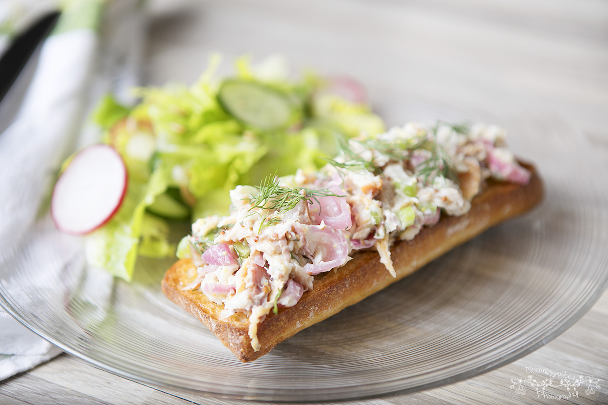 Blue apron worth it reddit - Smoked Trout Tartines With Romaine Cucumber And Radish Salad By Blue Apron