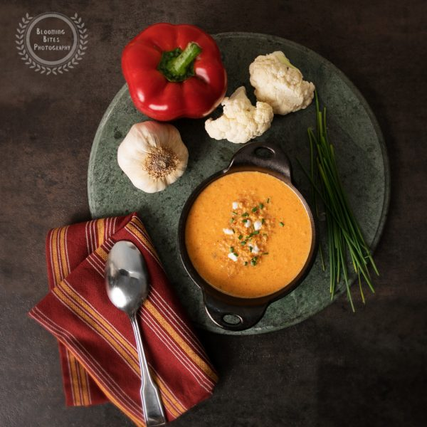 Creamy red pepper cauliflower soup_0049