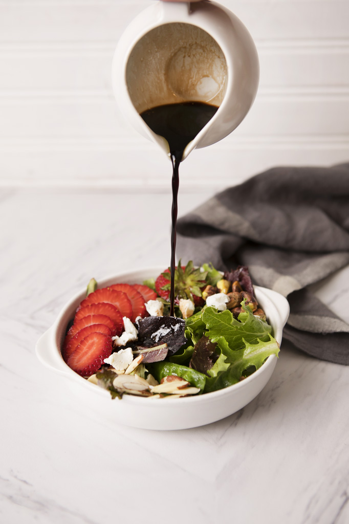 Strawberry, Nut and Goat Cheese Salad - Blooming Bites ...