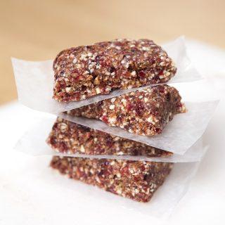 No bake cranberry raisin almond energy bar