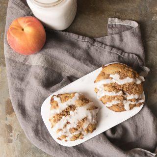 Peach crumble muffin tops