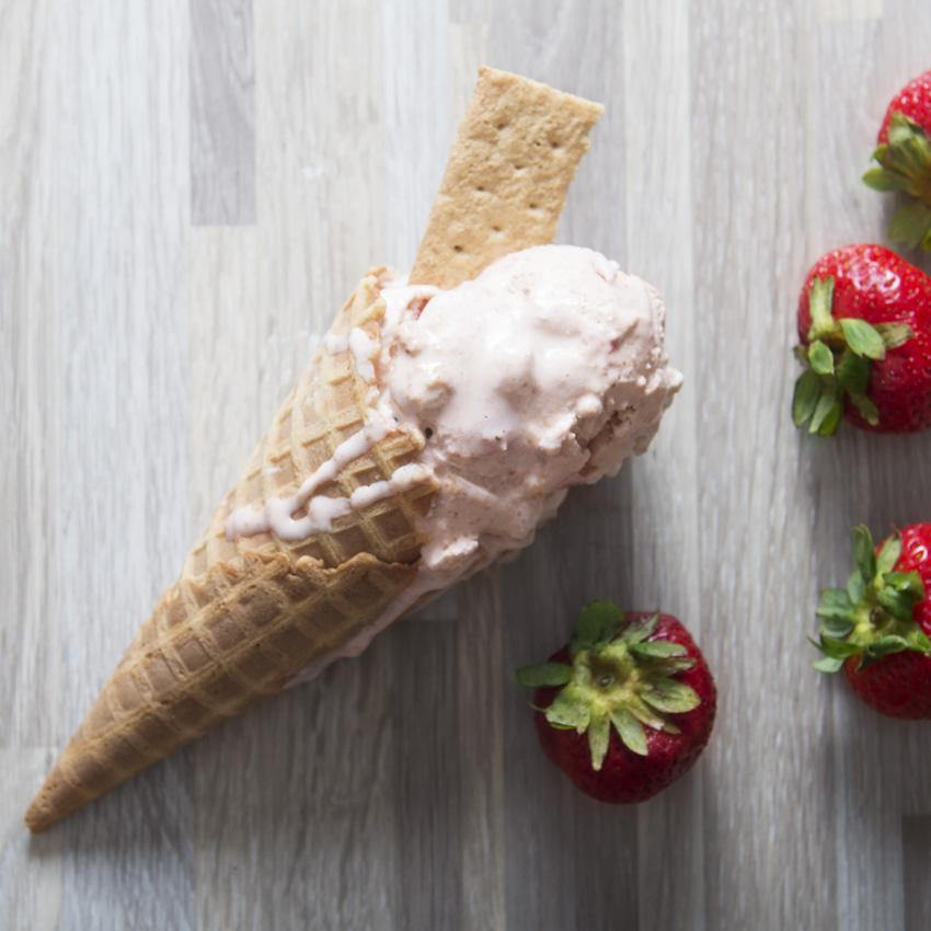 Homemade Strawberry Cheesecake Ice Cream